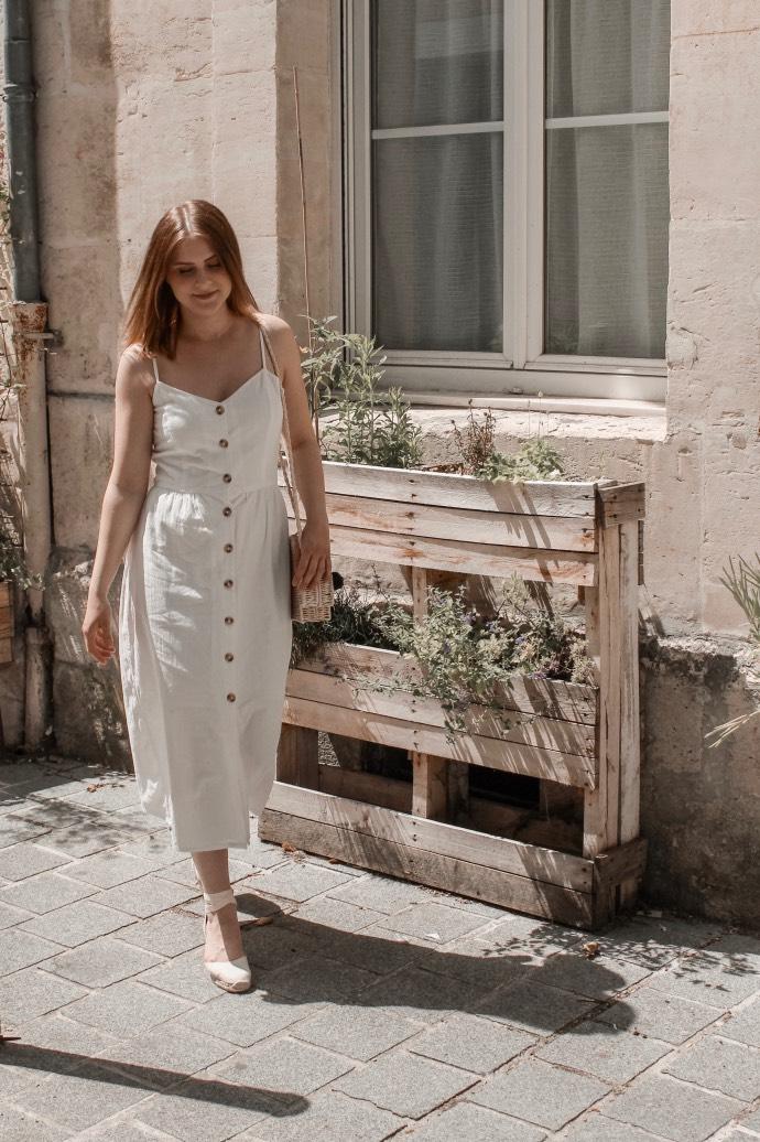 Must have été 2019 robe longue en lin blanche espadrilles castaner - Blog Mangue Poudrée - Blog beauté et mode à reims blogueuse influenceuse instragrammeuse - 04