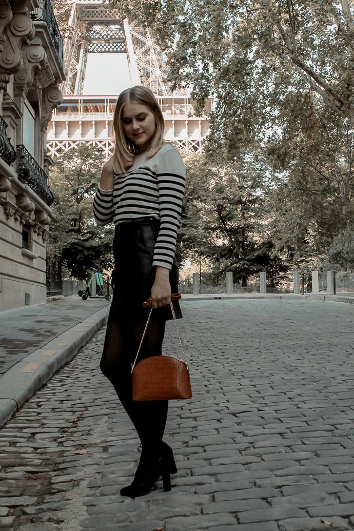 Mon look d'automne à Paris rue de l'université 8eme - Blog Mangue Poudrée - Blog mode et lifestyle à Reims influenceuse - 12