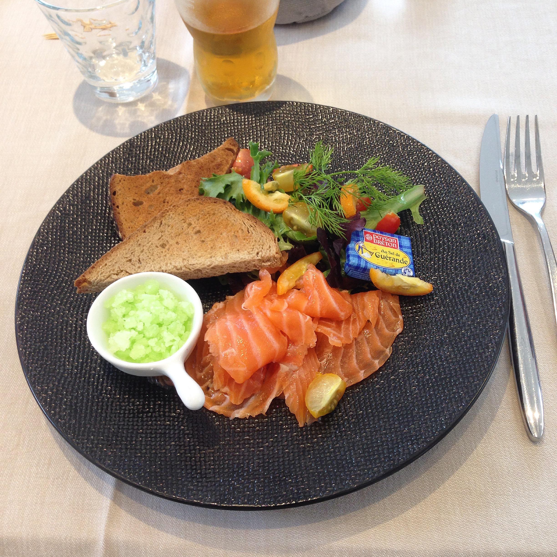 Bonnes adresses : saumon gravlax aux agrumes et granité de citron vert