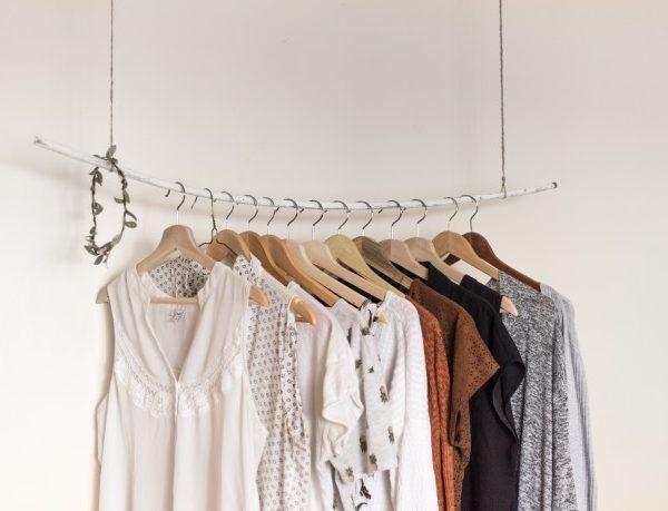 Vendre ses vêtements sur Vinted : mes conseils pour un vide-dressing qui déchire