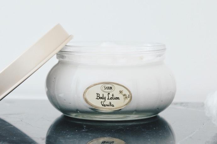 Avis Sabon routine cocooning - Blog Mangue Poudrée - Blog beauté et lifestyle à reims - Crème corps vanille