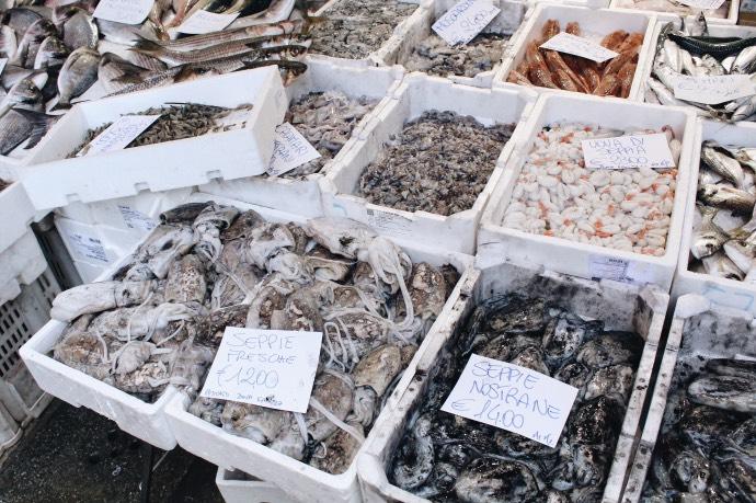 Que faire à venise en 3 jours - Blog Mangue Poudrée - Blog beauté, mode et lifestyle à Reims - Marché aux poissons 01