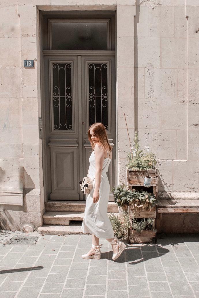 Must have été 2019 robe longue en lin blanche espadrilles castaner - Blog Mangue Poudrée - Blog beauté et mode à reims blogueuse influenceuse instragrammeuse - 01