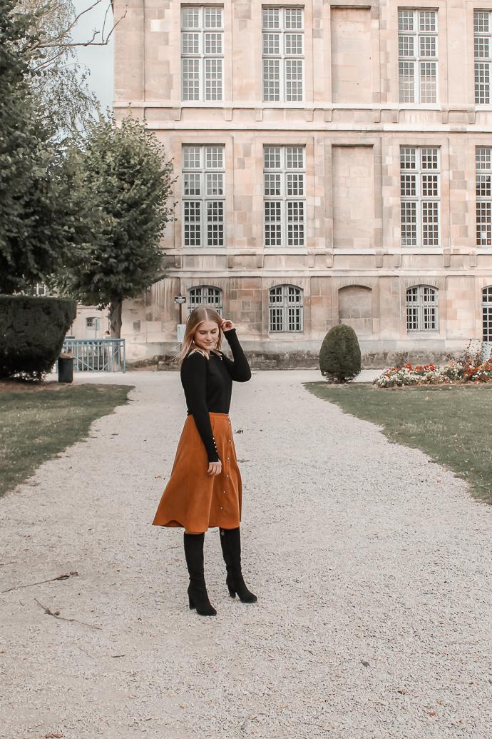 Comment porter le velours côtelé ? - 3 façons de porter le velours côtelé en automne avec 3 idées de looks facile à reproduire - Blog Mangue Poudrée - Blog mode et lifestyle à Reims influenceuse - 01