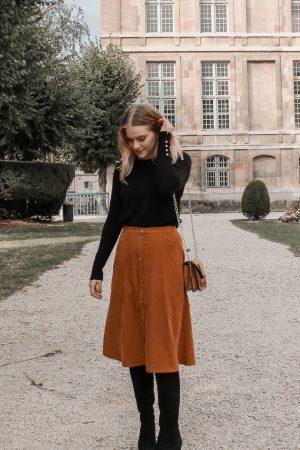 Comment porter le velours côtelé ? - 3 façons de porter le velours côtelé en automne avec 3 idées de looks facile à reproduire - Blog Mangue Poudrée - Blog mode et lifestyle à Reims influenceuse - 02