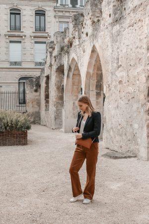 Comment porter le velours côtelé ? - 3 façons de porter le velours côtelé en automne avec 3 idées de looks facile à reproduire - Blog Mangue Poudrée - Blog mode et lifestyle à Reims influenceuse - 09