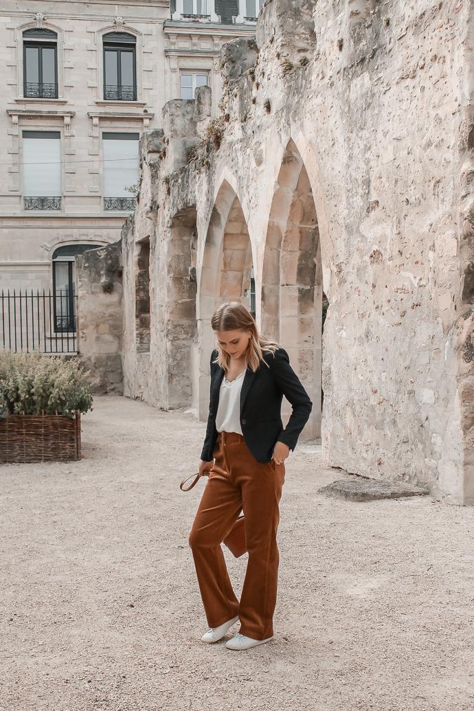 Comment porter le velours côtelé ? - 3 façons de porter le velours côtelé en automne avec 3 idées de looks facile à reproduire - Blog Mangue Poudrée - Blog mode et lifestyle à Reims influenceuse - 10