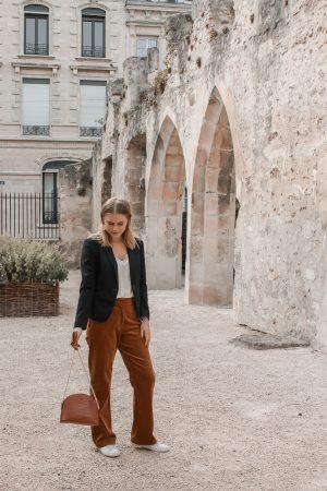 Comment porter le velours côtelé ? - 3 façons de porter le velours côtelé en automne avec 3 idées de looks facile à reproduire - Blog Mangue Poudrée - Blog mode et lifestyle à Reims influenceuse - 11