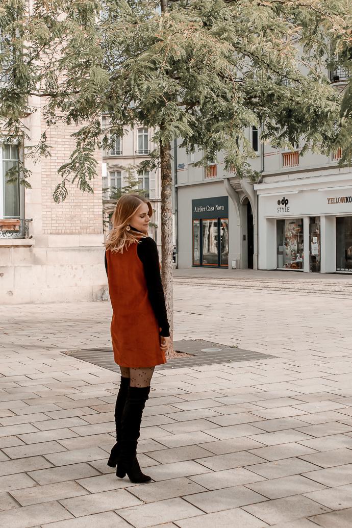 Comment porter le velours côtelé ? - 3 façons de porter le velours côtelé en automne avec 3 idées de looks facile à reproduire - Blog Mangue Poudrée - Blog mode et lifestyle à Reims influenceuse - 22