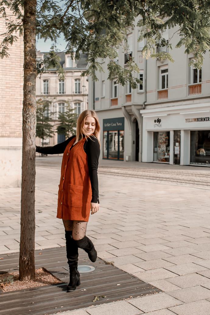 Comment porter le velours côtelé ? - 3 façons de porter le velours côtelé en automne avec 3 idées de looks facile à reproduire - Blog Mangue Poudrée - Blog mode et lifestyle à Reims influenceuse - 29