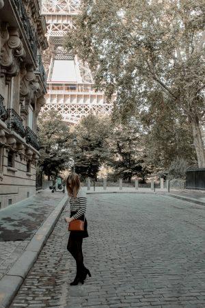 Mon look d'automne à Paris rue de l'université 8eme - Blog Mangue Poudrée - Blog mode et lifestyle à Reims influenceuse - 03