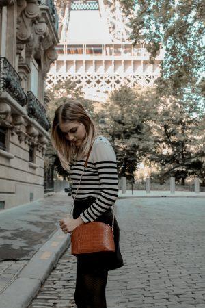 Mon look d'automne à Paris rue de l'université 8eme - Blog Mangue Poudrée - Blog mode et lifestyle à Reims influenceuse - 04