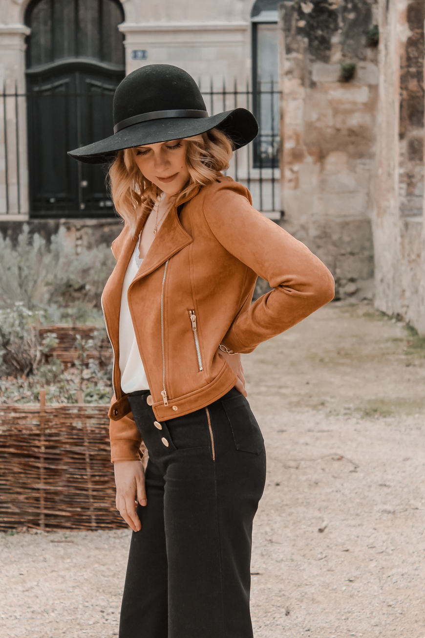 Avis Koshka Mashka - comment porter le jean flare look - Blog Mangue Poudrée - Blog mode et lifestyle Reims Paris Influenceuse17
